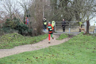 Merry Vegan Elf at Abingdon Xmas Eve Parkrun
