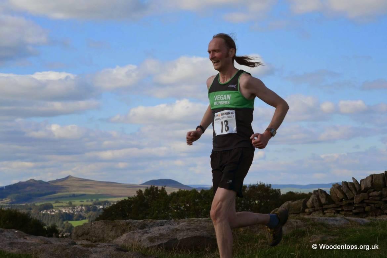 Phil-Davies-Bradley-Show-Fell-Race-500x333.jpg