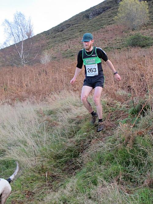 Craig-Wallace-Knockfarrel-hill-race-descent-500x666.jpg